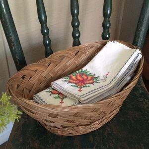 Adorable Rattan Vintage Basket